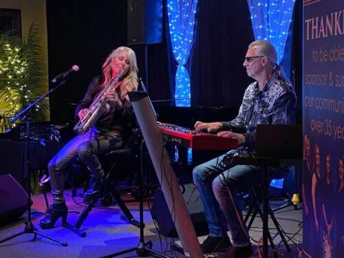 Mindi Abair and Ron Rheinhardt performing together